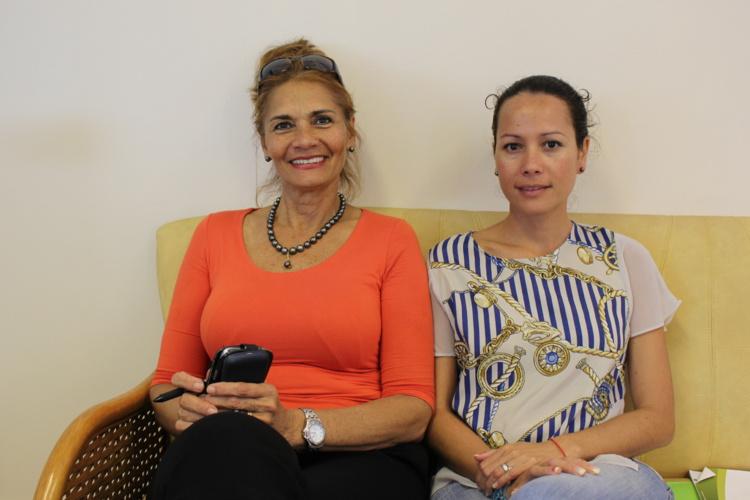 Danièle Guyonnet, la directrice de l'Institut de la jeunesse et des sports de Polynésie française et de Cécile Tiatia, conseillère technique au ministère de l'éducation font le point sur les revendications des étudiants du Centre d'hébergement étudiant.