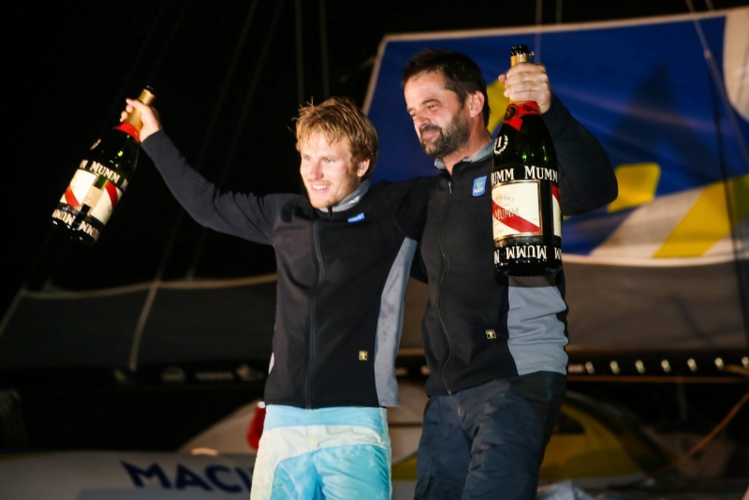François Gabart et Pascal Bidégorry ont remporté samedi matin à Itajai (Brésil) la 12e Transat Jacques Vabre toutes classes confondues.