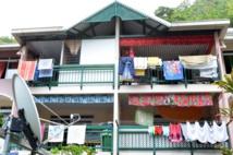 """L'OPH gère actuellement à Tahiti un total de 2680 logements : les deux tiers sont des logements du """"parc ancien"""", construit avant 2000,  avec des loyers fixes de 18 310 Fcfp quelle que soit la superficie et les ressources de l'occupant."""