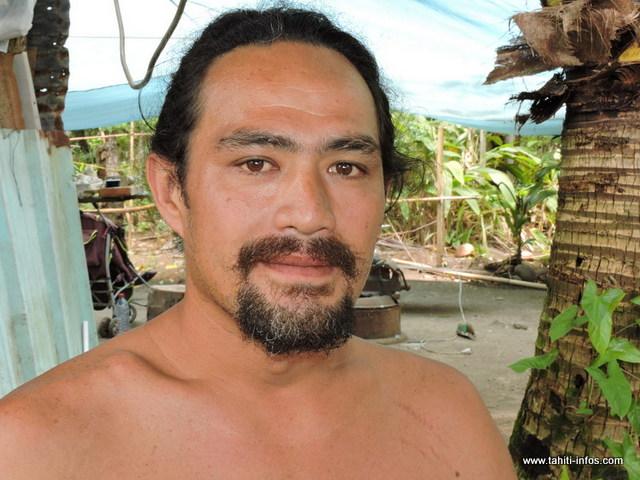 """Terii PATU : """"Il y aura le baptême de Matahuarere aujourd'hui avant l'expédition de samedi, c'est comme cela dans la culture polynésienne. Nous allons faire des tests dans l'eau aujourd'hui et samedi, on sera sur Tetiaroa pour contester tous les travaux qui se tiennent sur cet atoll""""."""