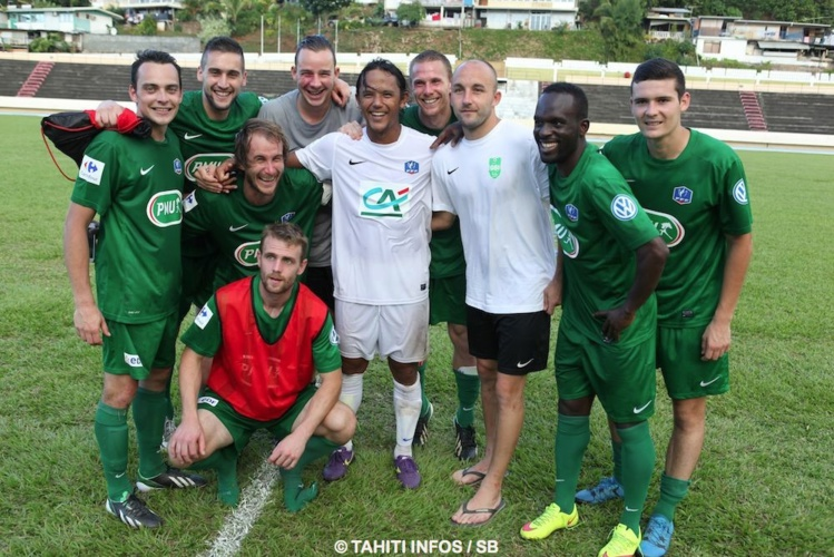 Ce fut également un moment de fraternité avec les joueurs venus de France, fans de Marama Vahirua, le plus titré sur le terrain