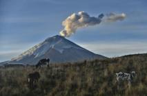 Le Cotopaxi, volcan sud-américain sous haute surveillance