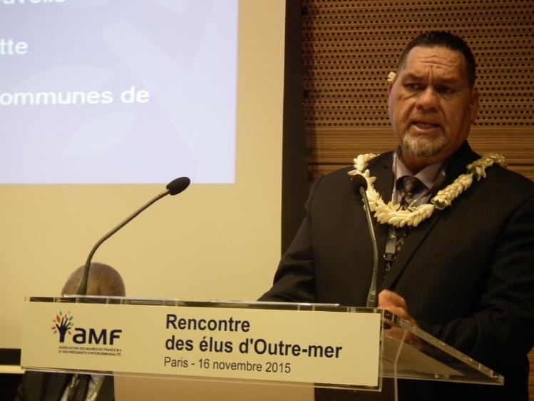 Cyril Tetuanui, président du Syndicat pour la promotion des communes polynésiennes, lundi 16 novembre à Paris à la journée de rencontre des élus outre-mer.
