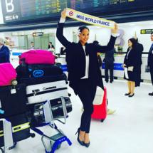 Partie dimanche matin de Tahiti, Hinarere a profité d'une escale à Narita au Japon pour poster un message à l'attention de ses fans. Ce mardi, elle arrive en Chine.