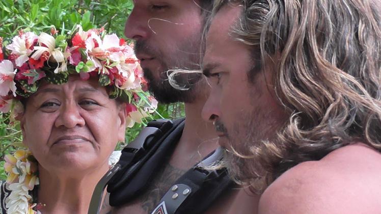 Le film rend aussi hommage à la culture polynésienne.