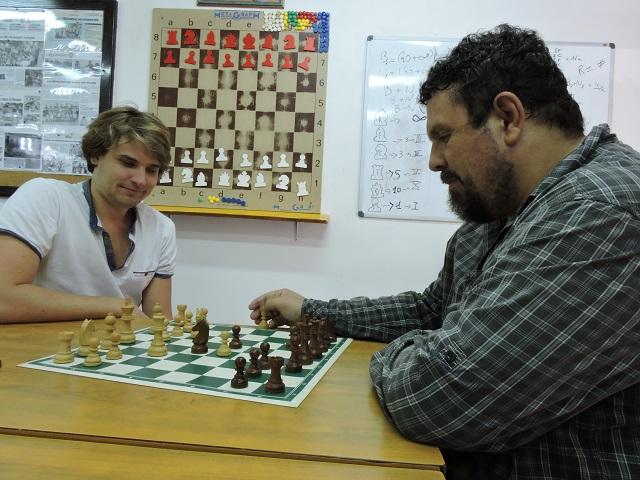 De Tuterai Tane à l'élite du jeu d'échecs