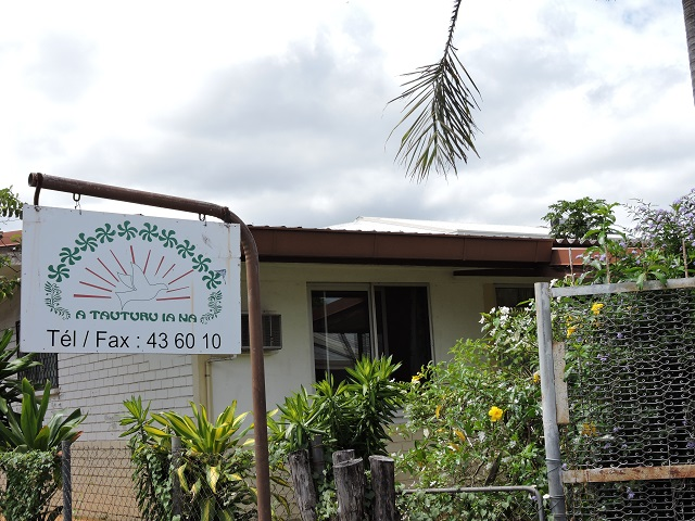 """A Tauturu ia na  a pour but de """"venir en aide afin d'améliorer le bien-être du malade polynésien et de son entourage familiale en position d'évacuation sanitaire  par un soutien moral et psychologique et de défendre les droits et intérêts des malades""""."""
