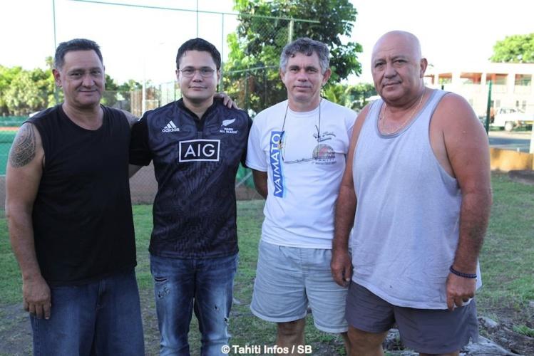 (de G à D) Abel Temarii, Gérald Huioutu, le représentant de l'athlétisme, Ramon Gatien