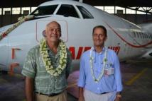 Manate Vivish, directeur général et Joël Allain, P-dg de la compagnie devant l'un des deux ATR 72-600 flambant neuf qu'Air Tahiti vient de réceptionner.