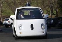 """La Californie veut exiger un conducteur dans les voitures """"sans chauffeur"""""""