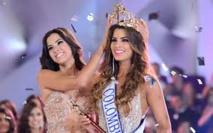 """""""Pour moi, notre reine continuera d'être Miss Univers"""", assure le président Colombien"""