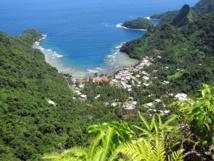 Afono Bay dans le parc national des Samoa américaines. une des nombreuses criques du parc...