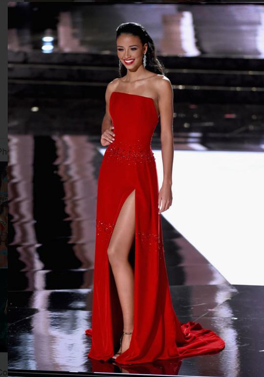 Flora Coquerel, 3e dauphine de Miss Univers 2015