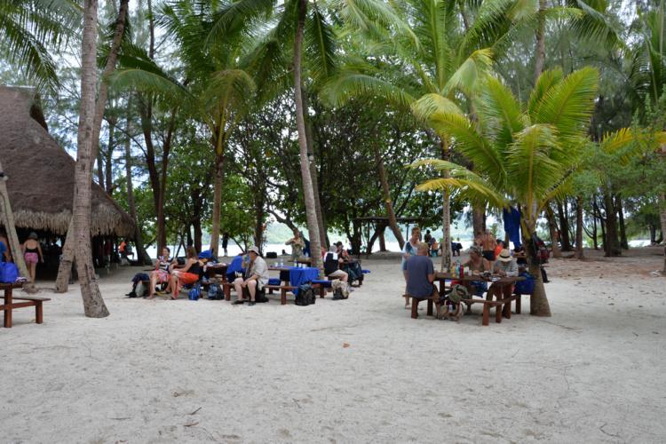 Déjeuner de Noël à Bora Bora