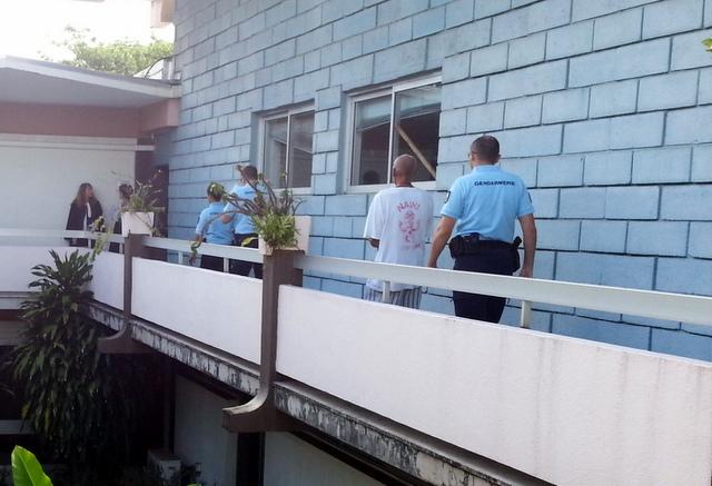 Un mandat de dépôt a été décerné contre le tane pour ces violences réciproques, il a quitté le palais de justice pour Nuutania.