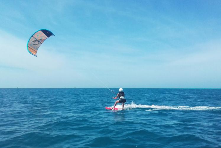 Wind Chasers Tahiti, une école de kite api