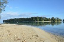 Aucune plage n'est interdite désormais à la baignade sur l'île soeur : en revanche aucune plage ne dispose de baignade surveillée faute de moyens suffisants.
