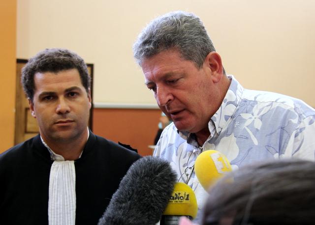 Bruno Marty et son avocat Me Mikou soulagés, cet après-midi, à l'énoncé du jugement.