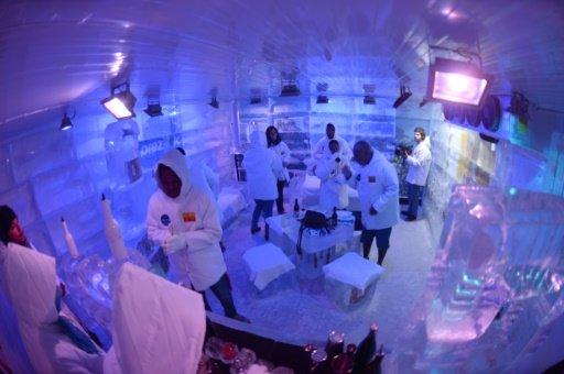 """Rio de Janeiro ouvre son premier """"ice bar"""" pour les JO d'été"""
