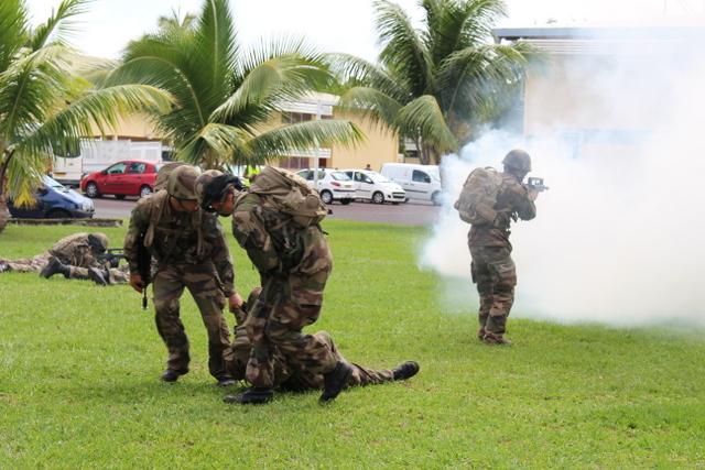 Ce stage court permet de découvrir l'armée de Terre à travers des activités physiques à caractère militaire, et une initiation aux savoir-faire de base du soldat.