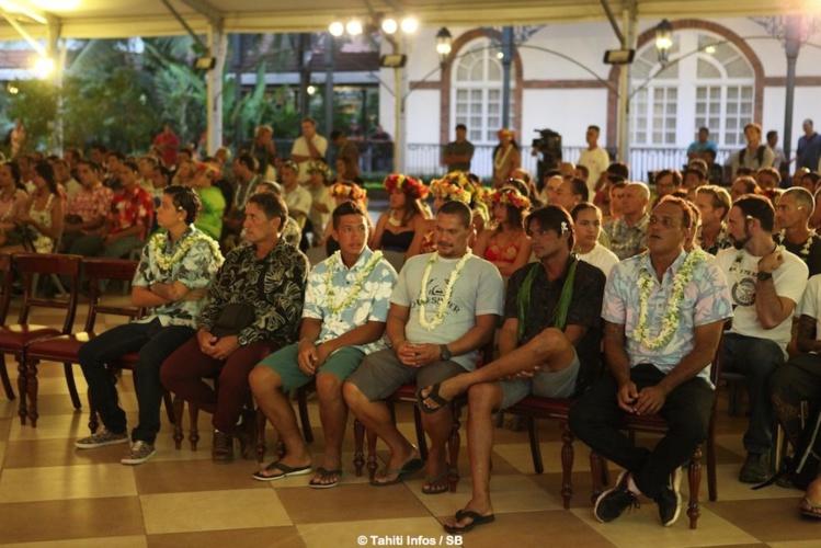 Le gratin du surf polynésien était convié à la présidence
