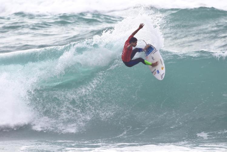 Mihimana Braye se rapproche de l'élite mondiale du surf professionnel