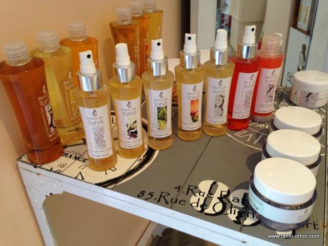 Depuis le lancement de son activité, Keyshi commercialise plusieurs mono'i de luxe mélangeant le produit local à différents parfums européens