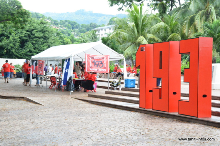 Après la discrète manifestation qui s'est déroulée lundi devant le Haut-commissariat, les militants de 193 organisent ce mardi une marche pour présenter la pétition qu'ils font circuler depuis le 7 janvier en Polynésie française.