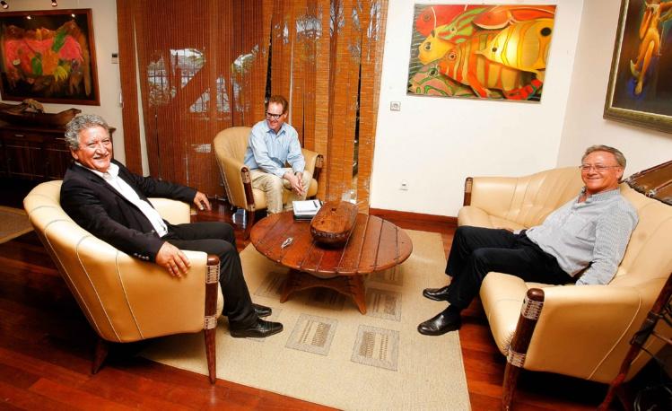 Jean-Christophe Bouissou reçoit le consul général d'Australie à Nouméa
