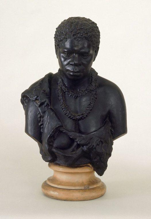 Truganini était déjà, de son vivant, une curiosité : divers bustes d'elle ont été réalisés (au moins deux).