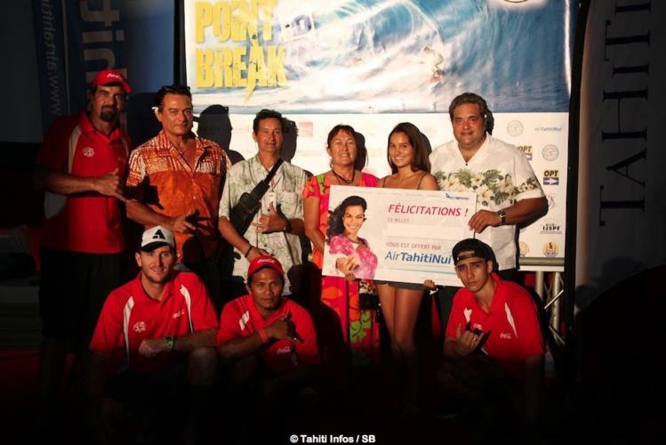 Un billet Air Tahiti Nui pour LAX a été tiré au sort. Lionel Teihotu et son équipe.
