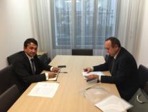 Le vice-président Nuihau Laurey en entretien avec Dominique Mirada, en charge des Outre-mer à la Caisse des dépôts et consignations (CDC) le 5 février à Paris.