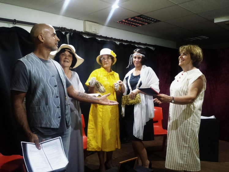 Quatre petites pièces d'environ une demi-heure chacune seront interprétées par une dizaine de comédiens adultes du CAPF.