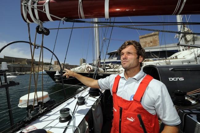 Pour ARTE, le navigateur Marc Thiercelin part en tournage à travers le monde, Ile de Paques et Nouvelle-Calédonie au programme