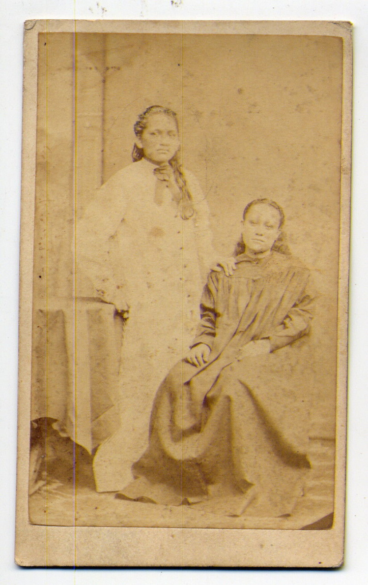 Prince et princesse de PAPEETE TAHITI, non identifiés