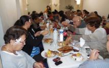 Repas traditionnel pour les malades polynésiens à la Délégation de la Polynésie française