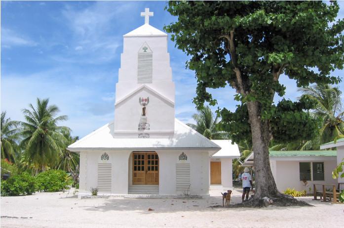 Eglise Sainte Thérèse de l'enfant-Jésus à Raraka, Tuamotu