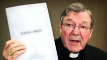"""Pédophilie dans la même paroisse: une """"coïncidence désastreuse"""" pour l'argentier du Vatican"""