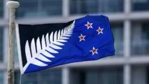 """La Nouvelle-Zélande vote pour son drapeau: """"serviette de plage"""" ou """"relique coloniale""""?"""