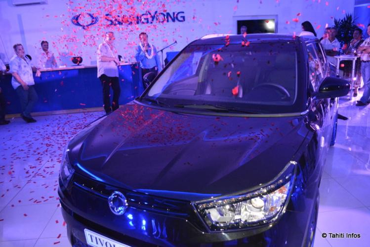 La Tivoli, le nouveau modèle lancé par SsangYong, est désormais disponible en Polynésie. Elle est proposée en versions essence, diesel, 4x2, 4x4, automatique ou manuelle, bourrées d'options déjà inclues. Son prix commence à 2,995 millions de francs.