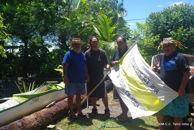 l'association Te Matahuarere no te Reva Te Moana e te Fenua participe à la traversée avec Ismaël Huukena