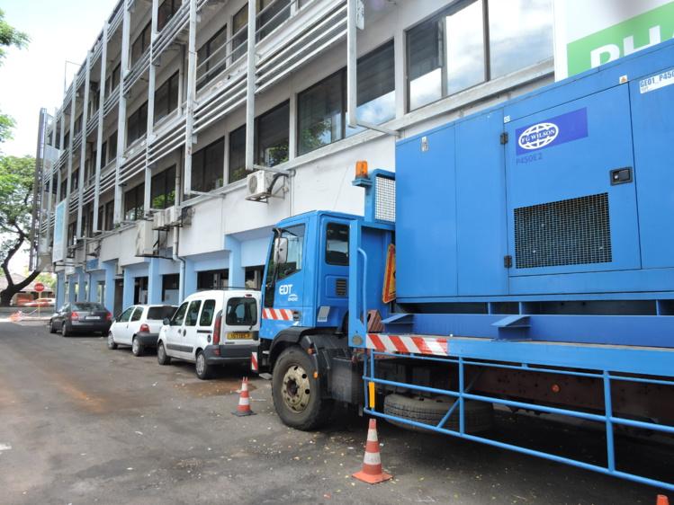 Une panne d'électricité a touché la clinique Paofai pendant plusieurs heures jeudi soir. Ce week-end, un groupe électrogène d'EDT était stationné devant la clinique pour prendre le relais au cas où une nouvelle panne d'électricité se produisait.