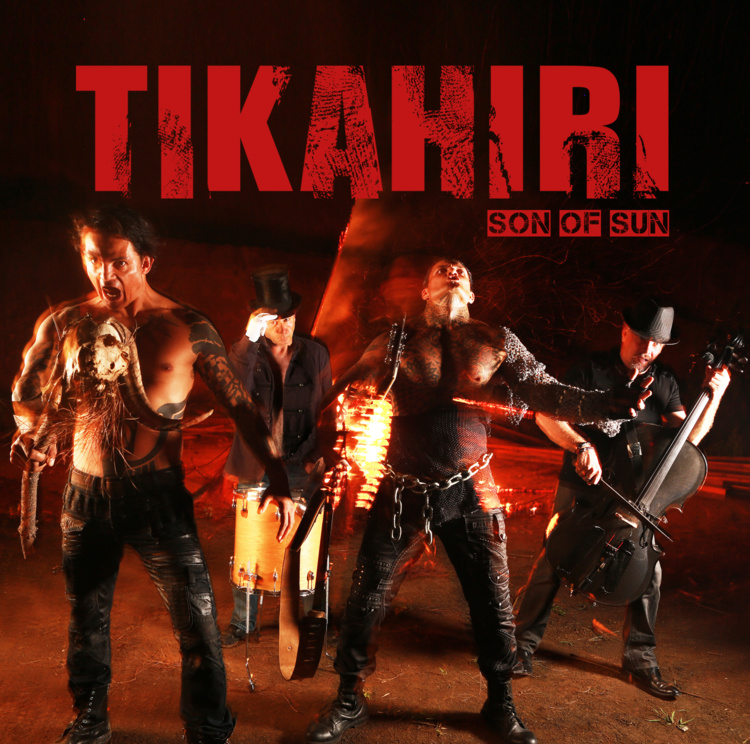 Tikahiri en première partie du concert de Johnny Hallyday