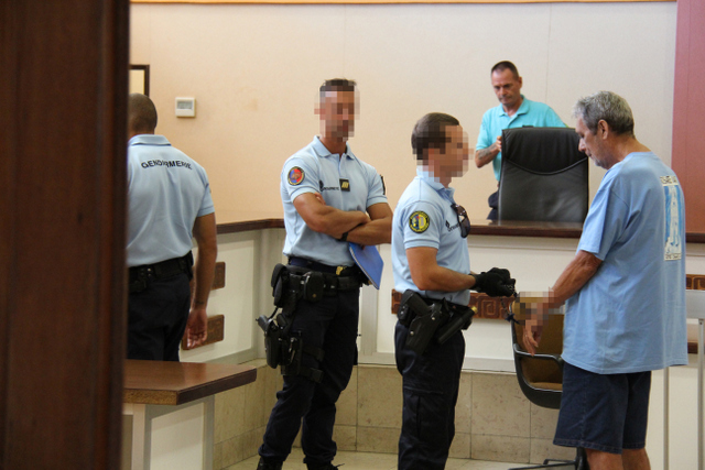 Le retraité qui a pris son rôle de gardien de la servitude un peu trop à cœur, vendredi dernier à Paea, a été condamné et conduit à la maison d'arrêt cet après-midi.
