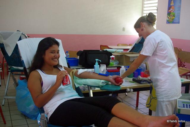 """Une élève du Lycée Gauguin donne son sang pour """"sauver des vies"""""""