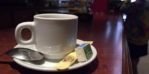 La caféine accroîtrait le risque de fausse-couche, même avant la conception