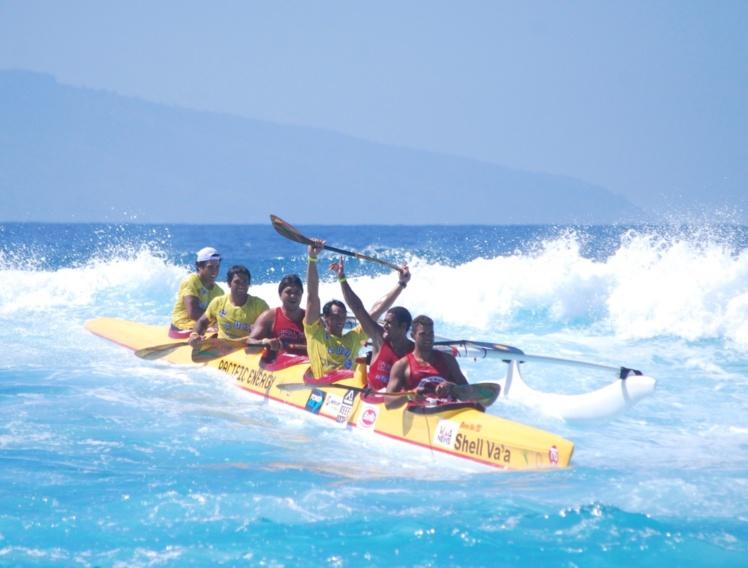 Shell Va'a remporte la première course de la saison © Alex Lacroix Va'a News