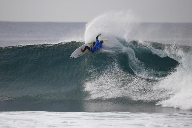 """Le """"rookie"""" Caio Ibelli a fait forte impression avec une seule vague notée 8.00"""
