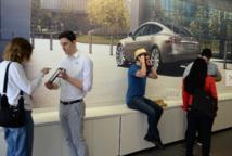 Tesla dévoile sa future Model 3, déjà commandée à 115.000 exemplaires