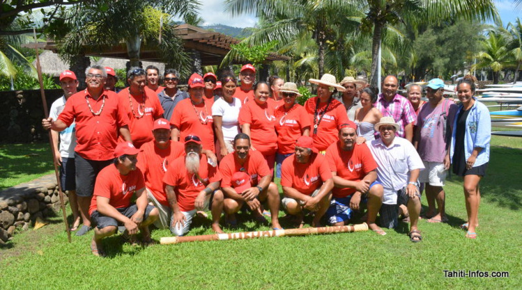 Plusieurs maires, un élu de chaque commune, des représentants des églises, des pêcheurs, de la culture et un prof sont à Tahiti pour présenter le projet de grande aire marine protégée des Australes : le Rāhui Nui nō Tuha'a Pae.